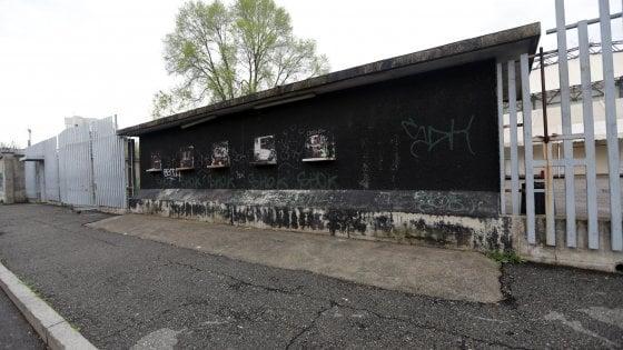 Milano, il fantasma del Palasharp in attesa delle ruspe che non arrivano mai