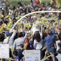 Un milione di fedeli per Papa degli ultimi.