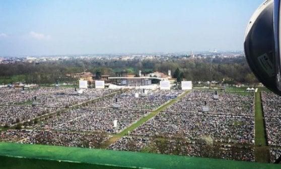 """Un milione di fedeli per Papa degli ultimi. """"Abbracciamo i confini"""". Ai ragazzi: """"No bullismo"""" / Diretta twitter"""