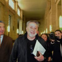 """Berlusconi, al processo contro Emilio Fede: """"Il prestito a Lele Mora? Un atto di..."""