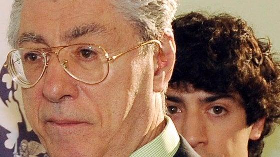 Spese con i fondi della Lega, la procura chiede la condanna per Umberto Bossi e suo figlio