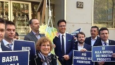 Ft  Trattati Ue: in Regione si celebra la ricorrenza, ma il Carroccio mostra il cappio
