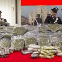 Milano, maxi sequestro di droga: cocaina, marijuana e hashish per 2 milioni di euro, 14...