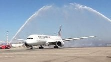 Un arco d'acqua per festeggiare il ritorno di Air France a Malpensa