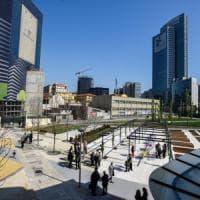 Milano, apre la Biblioteca degli alberi ai piedi dei grattacieli: 'E sabato