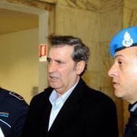 Milano, strage in tribunale: chiesti 3 anni per il vigilante che non si accorse della...