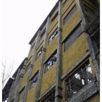 Varese, 17enne morì cadendo dal tetto della fabbrica dismessa: condannati gli amici che...