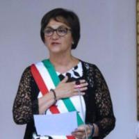 Migranti, insulti sessisti alla sindaca di Arcore: bagarre in aula, consigliere leghista esagera e si scusa