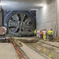 Milano, la talpa Stefania arriva nella stazione Argonne: avanzano le gallerie della M4