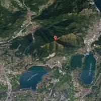 Cadavere ritrovato nei boschi del Comasco, sospetto omicidio. Scoperto dai volontari che pulivano il terreno