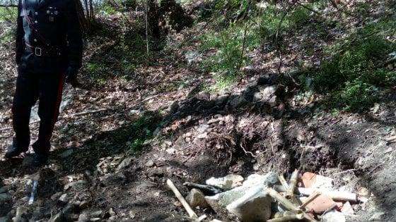 """Como, identificato il cadavere ritrovato nei boschi: """"Ucciso con due colpi alla testa"""""""