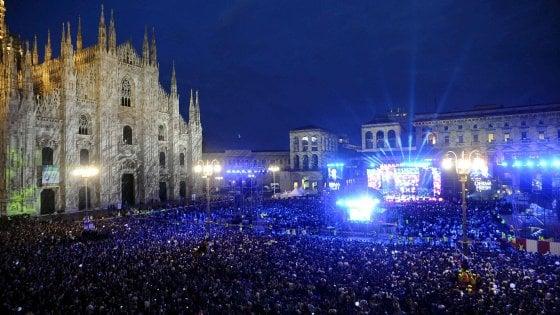 """Milano, Gabbani star del concertone di Radio Italia. Sala: """"Vieni con la scimmia sotto le palme"""""""