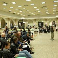 Milano, corsa alla carta d'identità elettronica: code record all'Anagrafe, oltre due ore di attesa