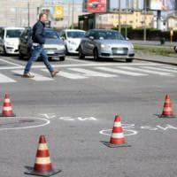 Milano, 40enne investita da un'auto mentre fa jogging: è grave al Policlinico