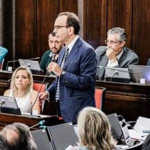 """Milano, Parisi cancellato dal simbolo di Forza Italia. Torna """"Berlusconi presidente"""""""