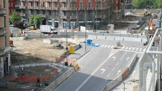 """Metrò Milano, rivolta dei commercianti contro i cantieri m4: """"Traditi dal Comune"""""""