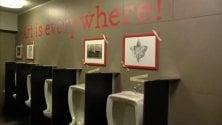 L'arte in fondo a destra nel Teatro Nazionale    c'è un Toilet Museum