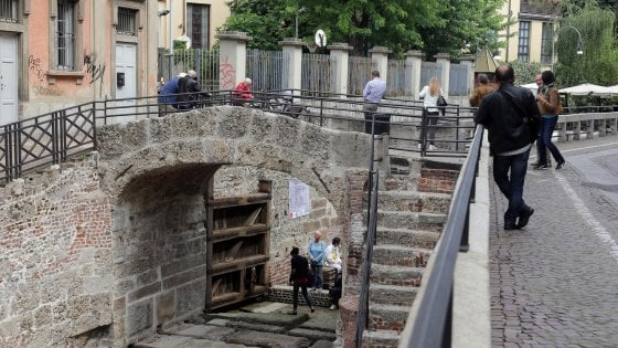 Riaprire i Navigli a Milano, esperti al lavoro in vista del referendum: un canale sotterraneo e traffico rallentato