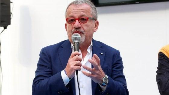 Milano, processo a Maroni: dieci giorni di prognosi per l'avvocato. A rischio anche la prossima udienza