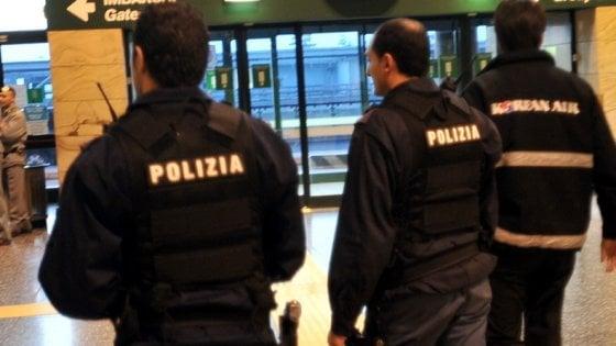 Milano, violenza sessuale su una 12enne compagna di scuola della figlia: arrestato