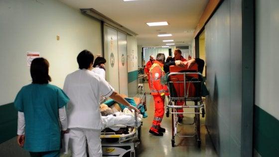 Milano, liceale 18enne con sospetta meningite al Niguarda: profilassi per parenti e amici