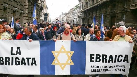 25 aprile a Milano, contestata la Brigata Ebraica: tensioni al corteo per la protesta filopalestinese