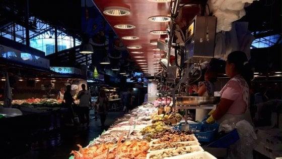 Milano, mercati coperti modello Boqueria: l'Isola punta su orari serali e tavoli social