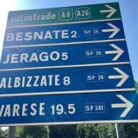 Varese, spara ai cartelli stradali con una carabina ad aria compressa: 50enne
