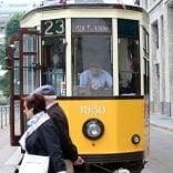 """Vd  Dopo 84 anni l'ultimo viaggio del tram 23: """"Quanti ricordi, va in pensione un pezzo di storia"""""""