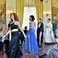 Scuola, scambi all'estero per le ragazze dei licei di moda: la sfilata racconta il tema...