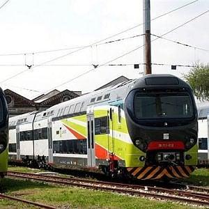 Pavia, tenta di scendere dal treno già partito: morta ragazza di 16 anni