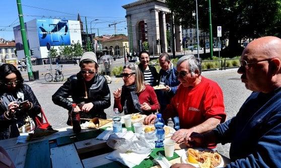 Milano Food City, degustazioni di specialità italiane in edicola: l'idea contro la crisi dell'editoria