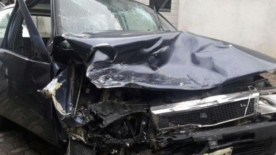 """Cantù, bimba 16 mesi muore in un frontale. I soccorritori: """"Non era sul seggiolino"""". Automobilista arrestato"""