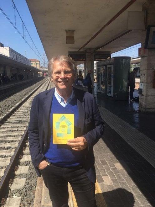Milano prepara la marcia per i migranti del 20 maggio: da Pennac a Saturnino, tutti i testimonial