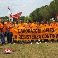 K-Flex, l'azienda attacca i licenziati in presidio: