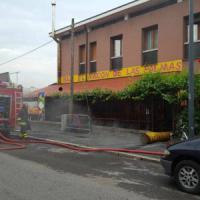 Milano, incendio nel deposito di una palazzina: due persone ricoverate