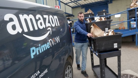Nella pancia del gigante Amazon firmato il primo accordo per i lavoratori