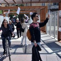 Milano tappezzata di scritti e poemi: è il Festival internazionale di  poesia