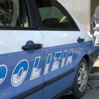 Milano, giovane trovato morto in hotel dall'addetta alle pulizie: il cadavere sul letto, disposta l'autopsia