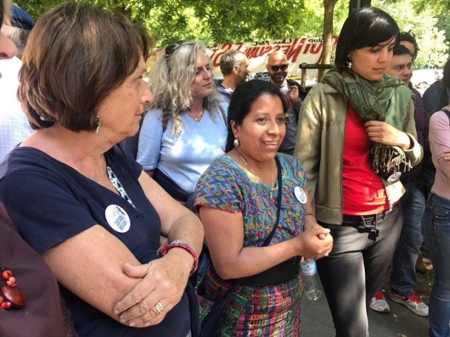 Milano: festa alla caserma Montello in vista della marcia antirazzista del 20 maggio