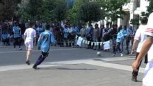 """Migranti, calcio e musica in Centrale: """"Questa  è la città che vogliamo"""""""