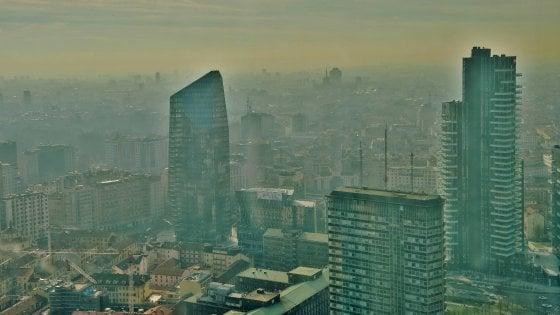 Milano, cittadini 007 antismog: la mappa delle strade nere
