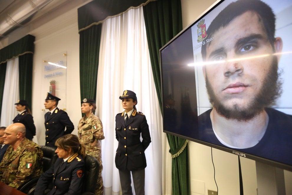 Militari accoltellati in stazione a Milano, indaga anche l'Antiterrorismo