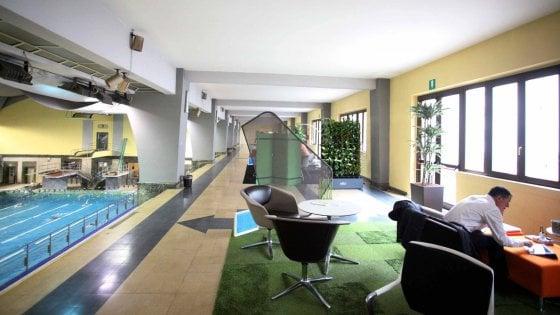 Milano, tutti fuori dall'ufficio: in 238 aziende è partita la settimana del lavoro agile