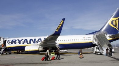 Marrakech-Orio al Serio, un giorno e mezzo di ritardo per il volo Ryanair. Passeggeri infuriati: ''Ora una class action''