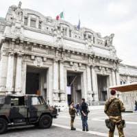 Milano, si alza l'allerta terrorismo dopo la strage di Manchester. Sala: