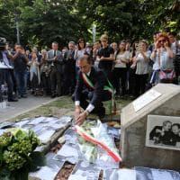 Strage di Capaci, dopo 25 anni il ricordo nei giardini Falcone e Borsellino a Milano