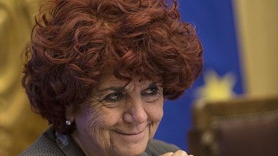 """Numero chiuso in Statale a Milano, il no della ministra Fedeli: """"Bisogna allargare non chiudere"""""""