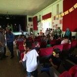 """""""Teatro inagibile"""", rivolta  al parco Trotter contro il blitz dei vigili durante la recita scolastica   foto"""