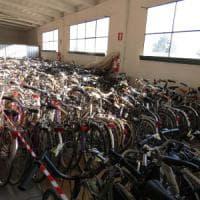 Milano, ogni anno 18mila bici rubate: un codice Qr per prevenire i furti